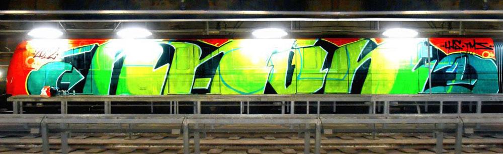 naon_wc_metro_barcelona_graffiti_2