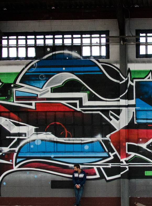 EMAK_gigantic_graffiti_montana_colors_4