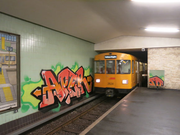 aper_berlin_station_piece