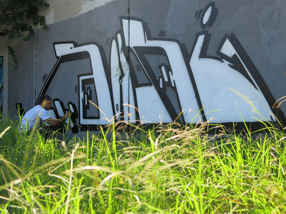 Rocky_biz_graffiti_barcelona_montana_colors_2