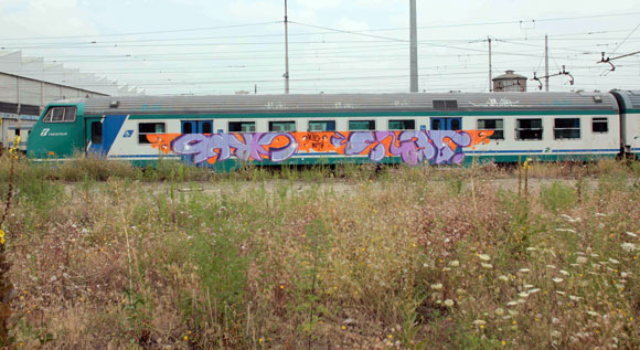 jers_blow_cyrus_italy_graffiti_mtn_low