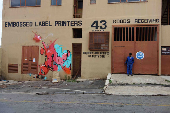 jers_blow_southafrica_graffiti_mtn_wall2low
