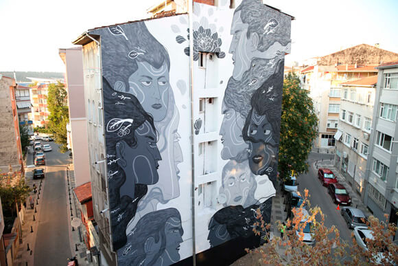mural_istanbul_mtn_ARES3