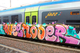 train_italy_graffiti_mtn_thumb