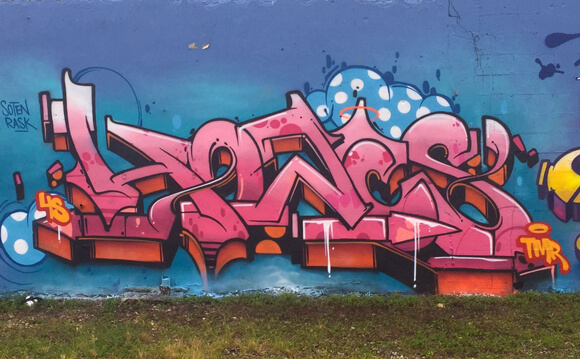 the-fours-in-miami-hoacs-pink