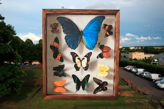 GIGANTIC BUTTERFLIES IN THIONVILLE
