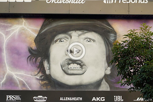 ANGUS YOUNG X SID TAPIA X MTN AUSTRALIA, EL VIDEO